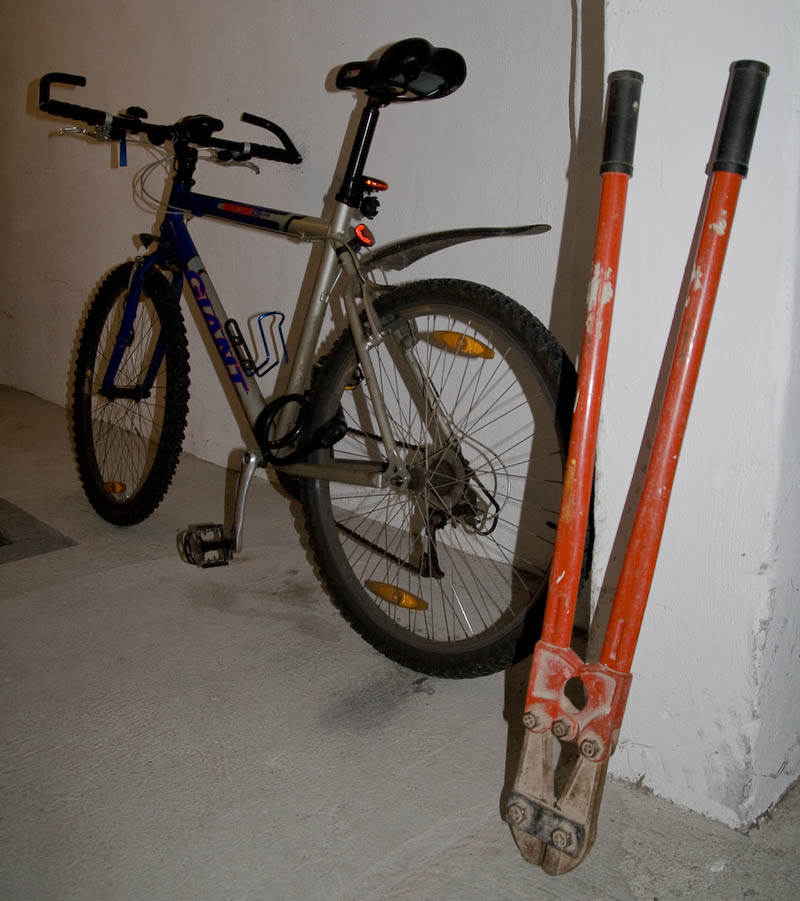 foto anleitung knacken eines fahrradschlosses. Black Bedroom Furniture Sets. Home Design Ideas
